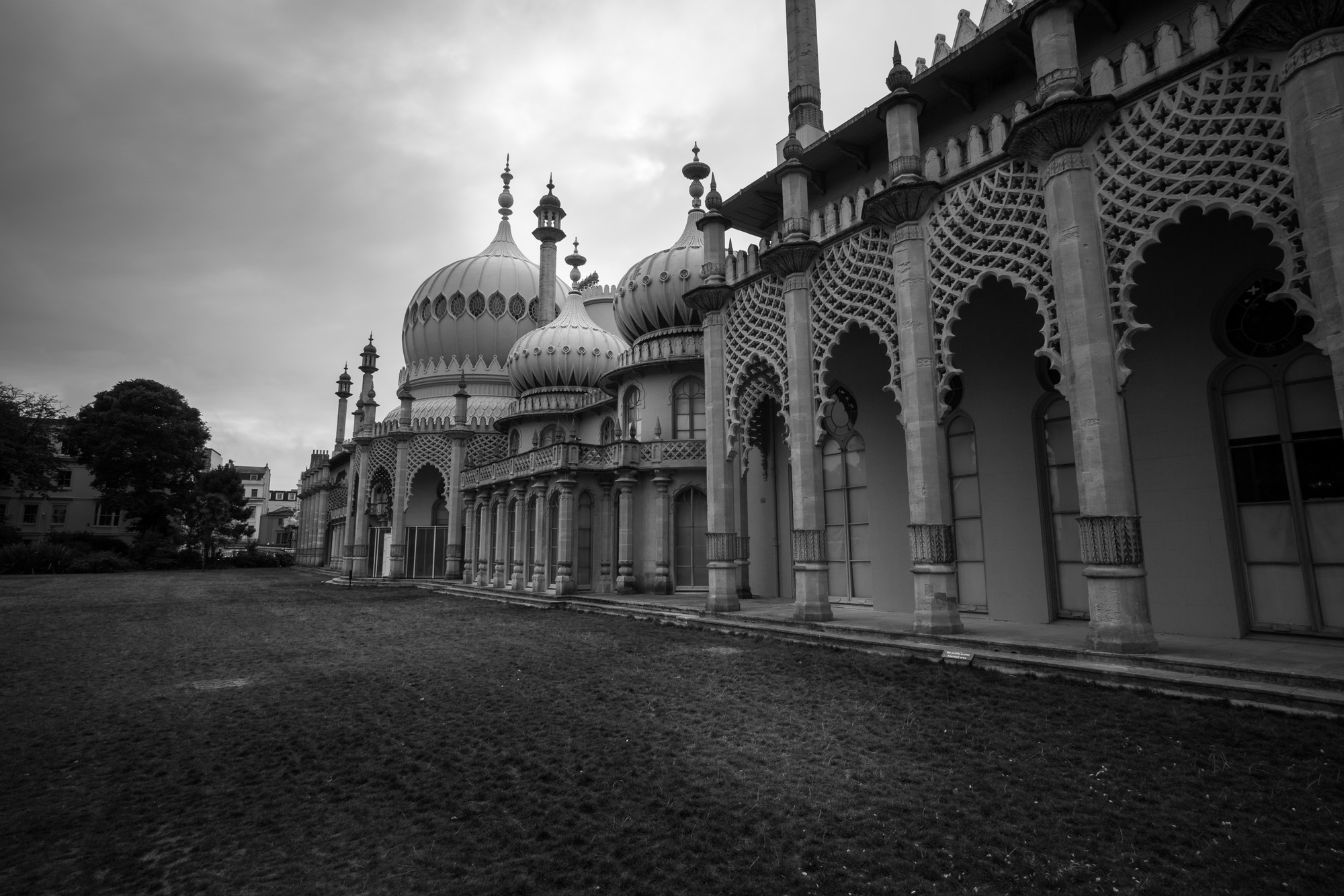 Brighton royal pavilion, black and white bw